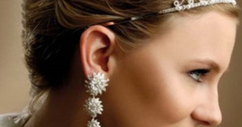 Pinned Short Greek Wedding Hairstyle