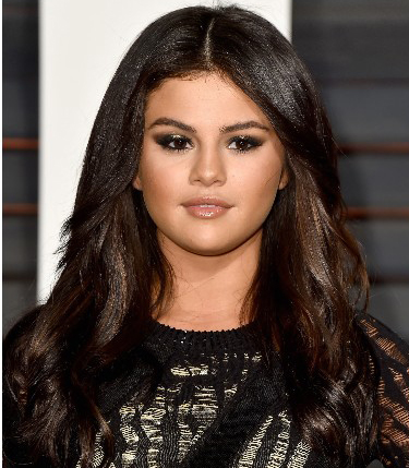Selena Gomez Dark Hairstyle