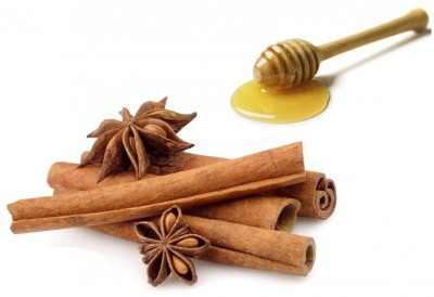 Cinnamon Homemade Face Mask for Acne