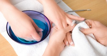 hot oil manicure treatment
