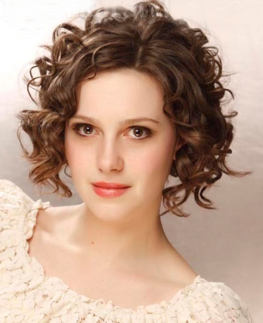 Short Curly Hairstyle 2014