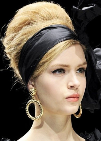 Updo vintage Hairstyle