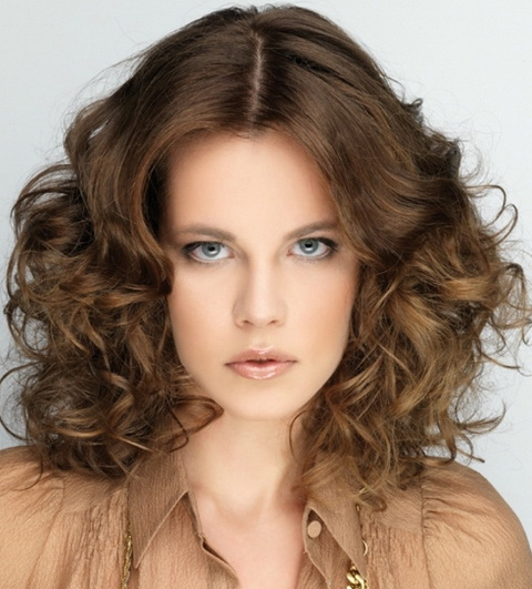 frizzy curly Hairstyle