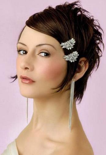 Fierce  Short Greek Wedding Hairstyle