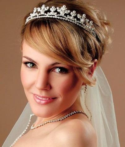 Sleek Short Greek Wedding Hairstyle