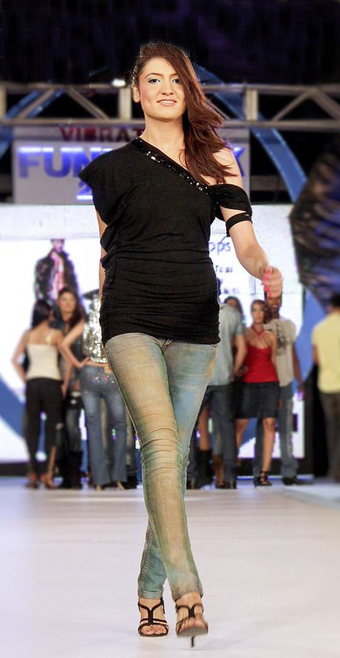 Latest Jeans Fashion 2015
