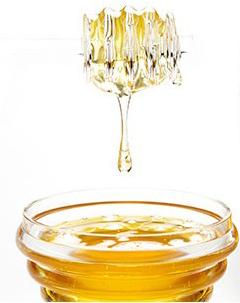 Honey for Cracked Heels